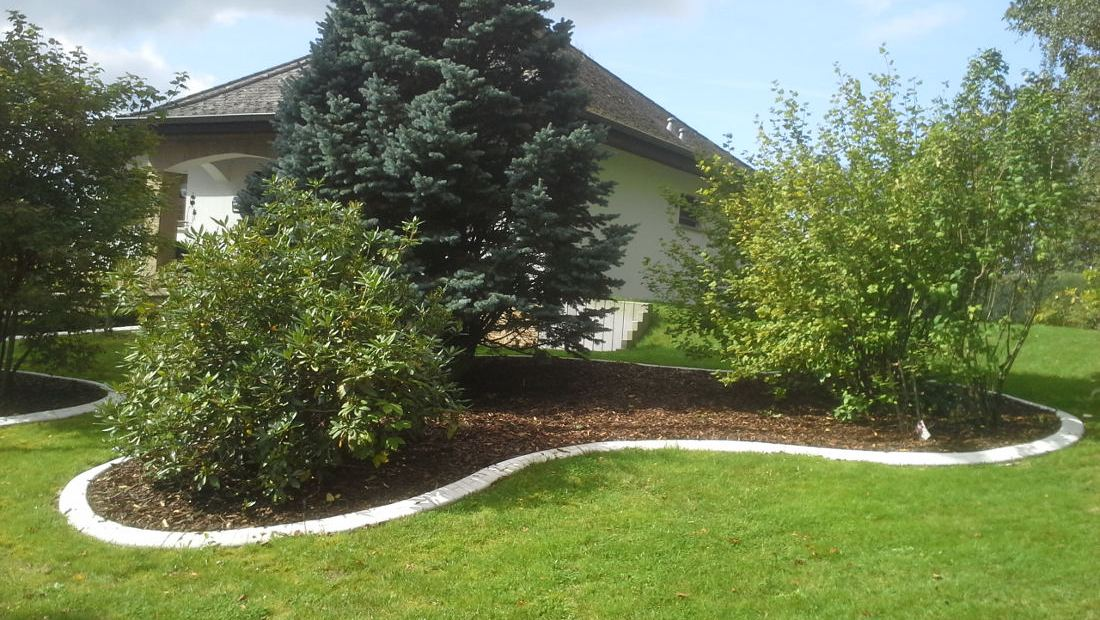 Randleiste-maehkante-Pro-Intex-Gartengestaltung-Baeume-Einfassung-002